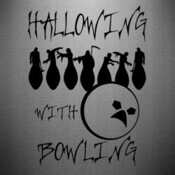 Наклейка Hallowing with Bowling