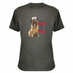 Камуфляжная футболка Nurse loves pugs