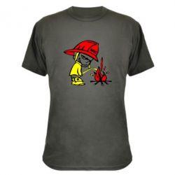 Камуфляжная футболка Писающий хулиган-пожарный - FatLine