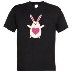 Мужская футболка  с V-образным вырезом Rabbit with a pink heart