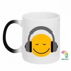 Кружка-хамелеон Smile in the headphones