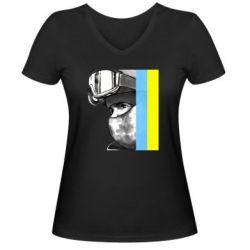 Женская футболка с V-образным вырезом Солдат ато