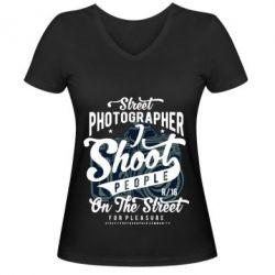 Жіноча футболка з V-подібним вирізом Street Photographer