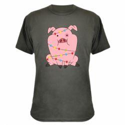 Камуфляжна футболка Свиня обмотана гірляндою