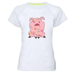 Жіноча спортивна футболка Свиня обмотана гірляндою