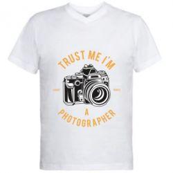 Чоловіча футболка з V-подібним вирізом Trust me i'm photographer