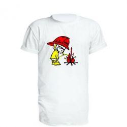 Удлиненная футболка Писающий хулиган-пожарный