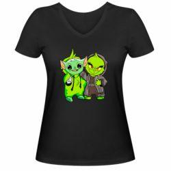 Женская футболка с V-образным вырезом Yoda and Grinch