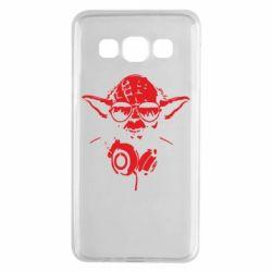 Чехол для Samsung A3 2015 Yoda в наушниках