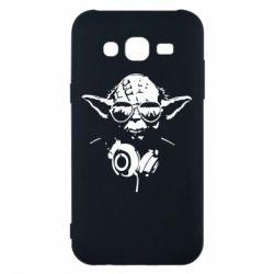 Чехол для Samsung J5 2015 Yoda в наушниках