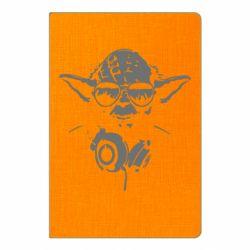 Блокнот А5 Yoda в наушниках
