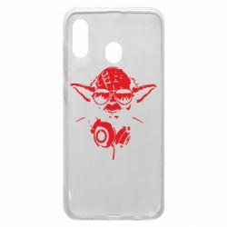 Чехол для Samsung A30 Yoda в наушниках