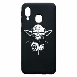 Чехол для Samsung A40 Yoda в наушниках