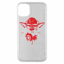Чехол для iPhone 11 Pro Yoda в наушниках