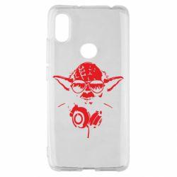 Чехол для Xiaomi Redmi S2 Yoda в наушниках