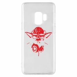 Чехол для Samsung S9 Yoda в наушниках