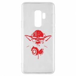 Чехол для Samsung S9+ Yoda в наушниках