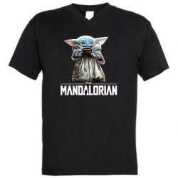 Мужская футболка  с V-образным вырезом Yoda with a cup