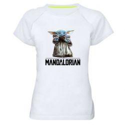 Женская спортивная футболка Yoda with a cup