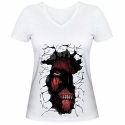 Жіноча футболка з V-подібним вирізом Colossal titan