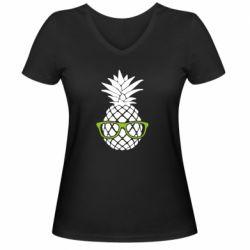 Женская футболка с V-образным вырезом Pineapple with glasses