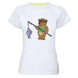 Женская спортивная футболка Медведь ловит рыбу - FatLine